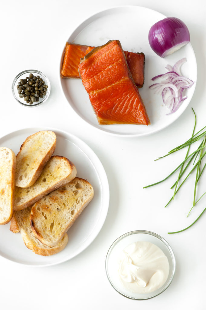 smoked salmon crostini ingredients