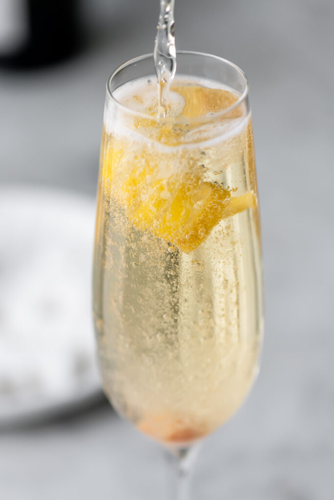 how to make a champagne cocktail