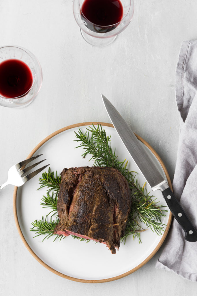 beef tenderloin holiday recipe with red wine sauce