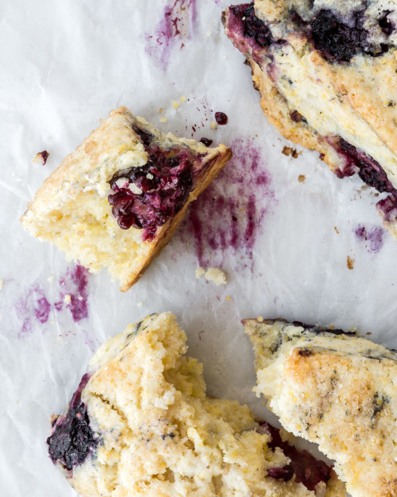 how to make blackberry cornmeal summer scones