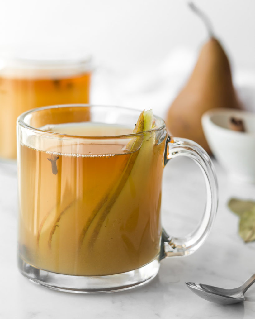 hot mulled cider recipe with pears, ginger and whiskey
