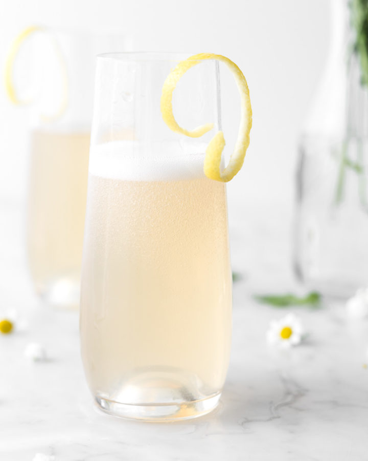st germain gin cocktail with sparkling wine