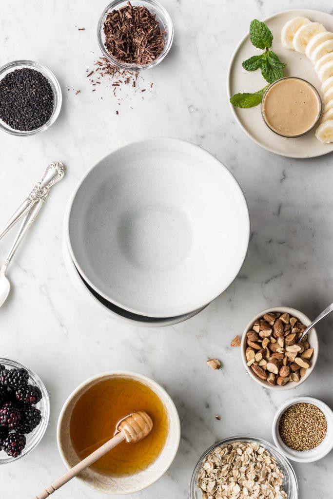 how to make a banana smoothie bowl