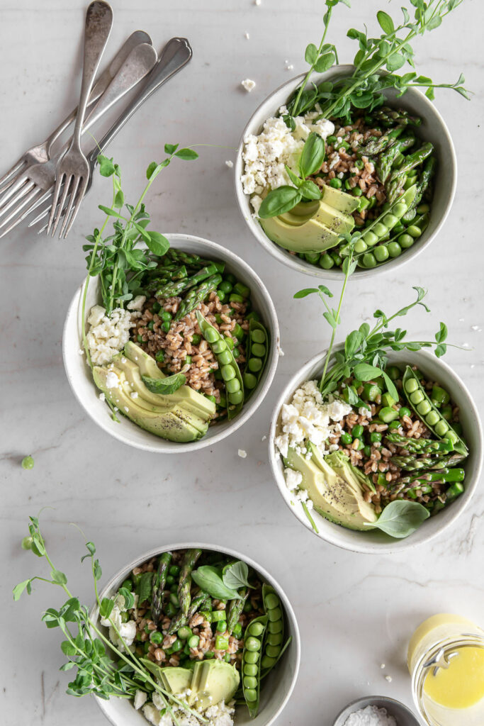 farro bowl with asparagus and spring peas