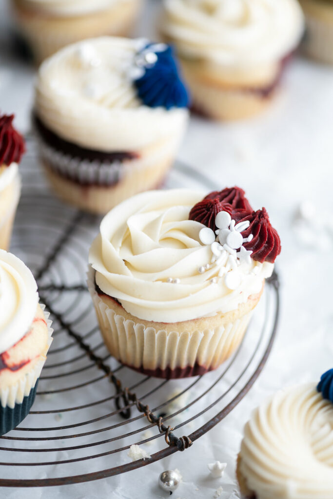 4th of july cupcakes with vanilla buttercream