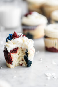 fourth of july cupcakes with vanilla buttercream
