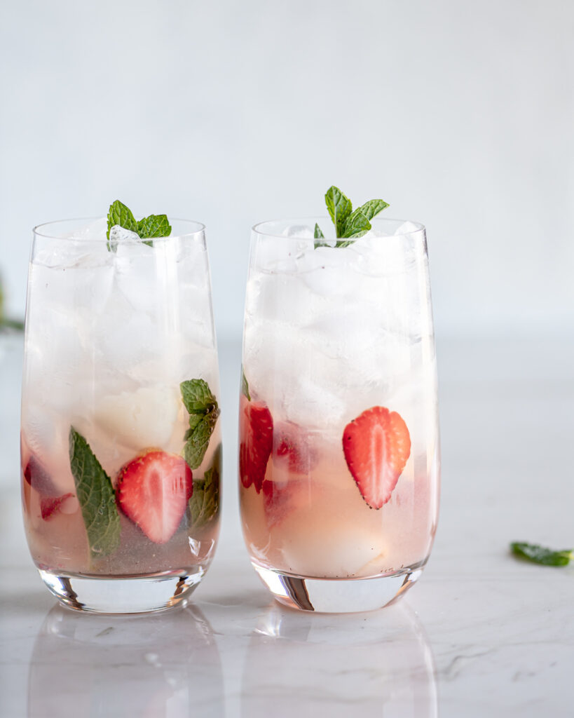 how to make a lychee mojito with strawberries and rose